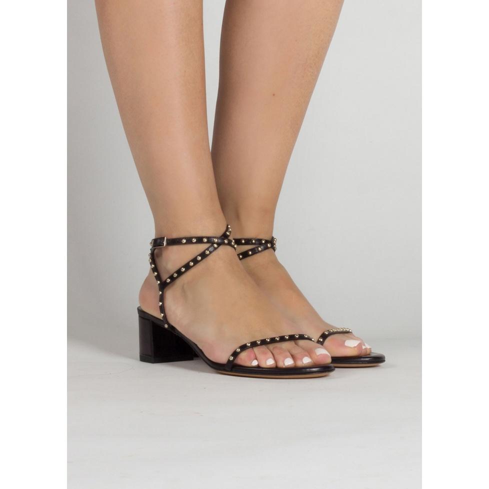 Sandalias de medio tacón cuadrado en piel color negro