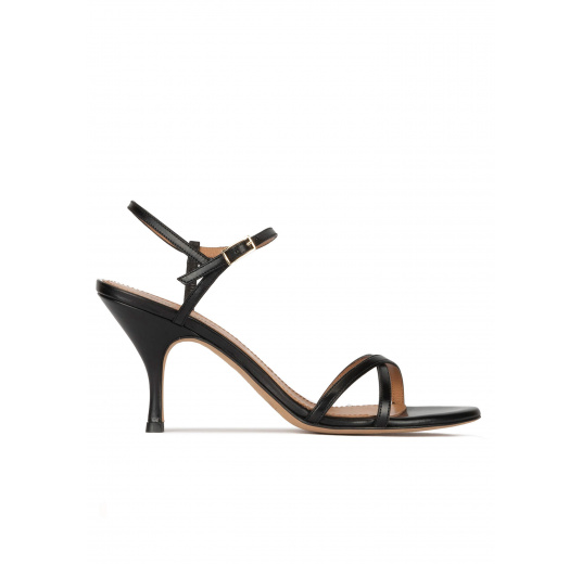 Strappy mid curved heel sandals in black leather Pura López