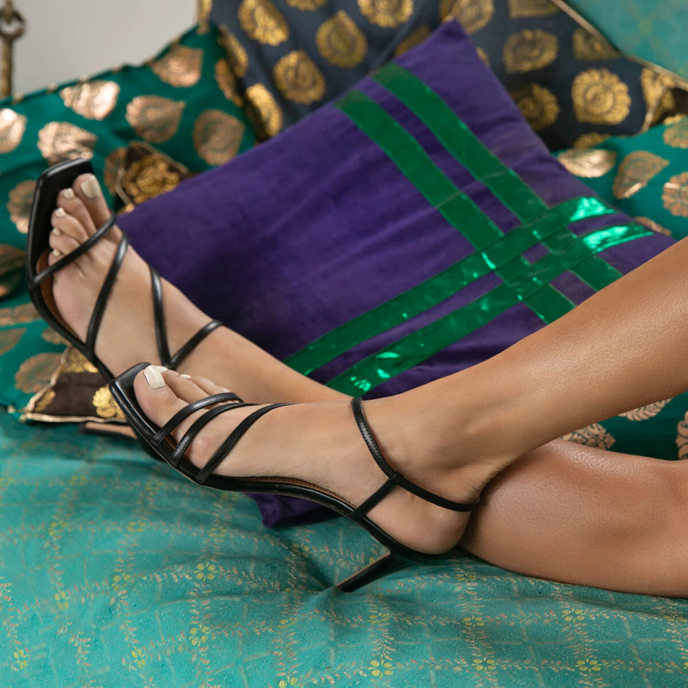 Mid heel sandals in black leather
