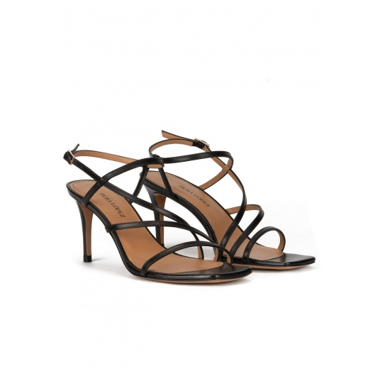 Mid heel sandals in black leather Pura López
