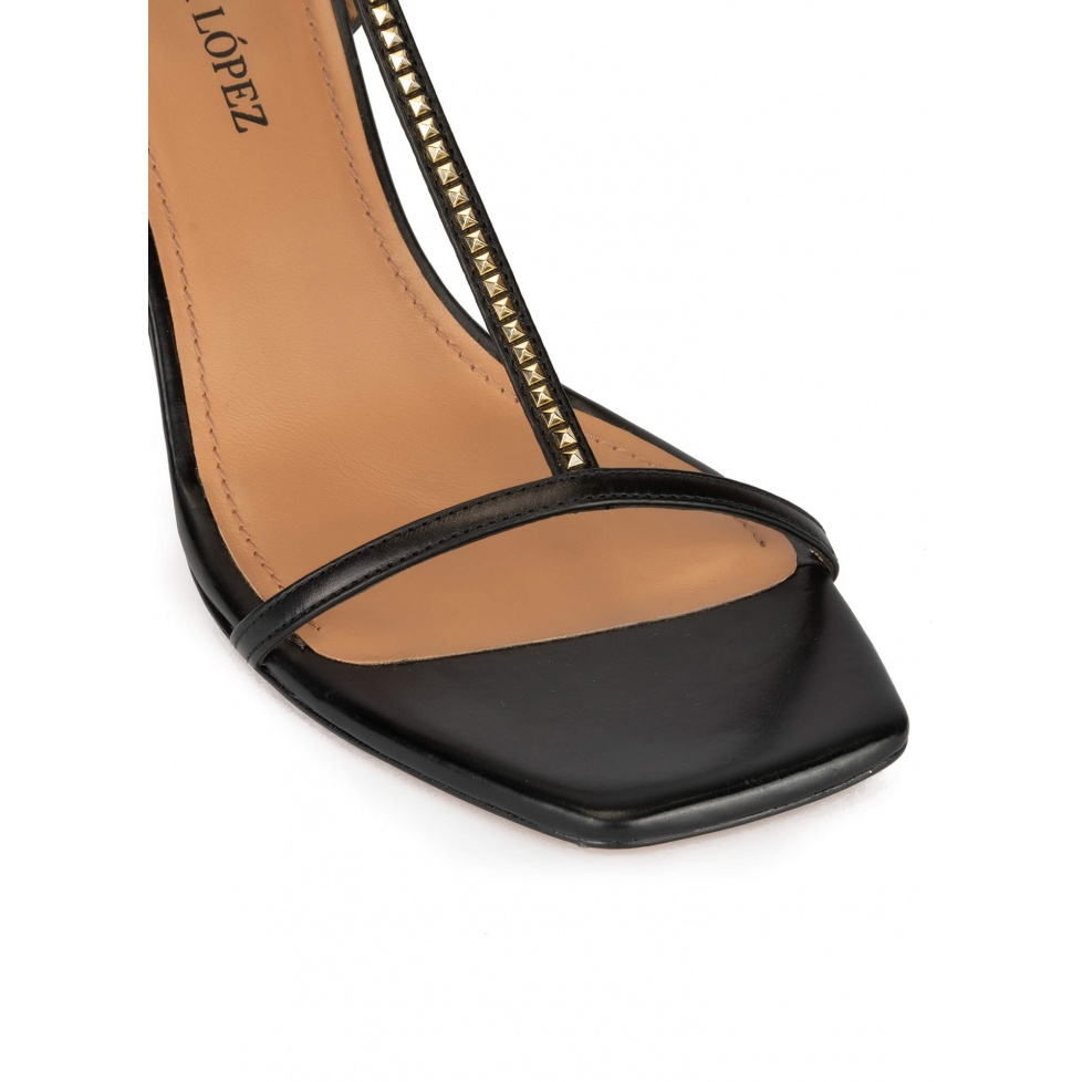 T-bar mid heel sandalsk in black leather