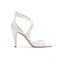 Strappy high heel bridal sandals in offwhite satin Pura López