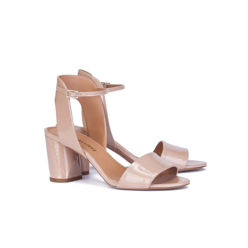 Mid heel sandals in nude patent - online shoe store Pura Lopez