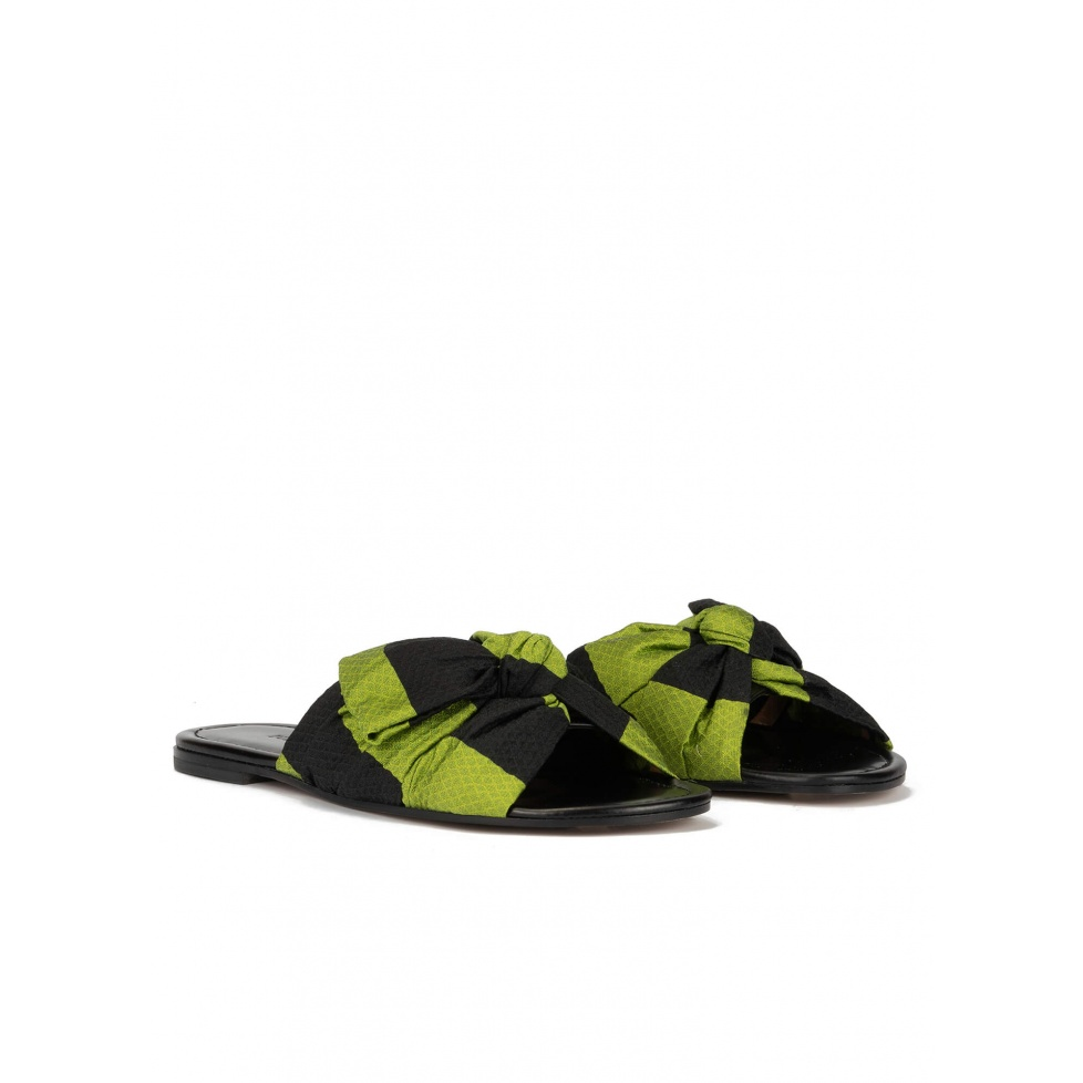 Bow-detailed flat sandals in green-black fabric
