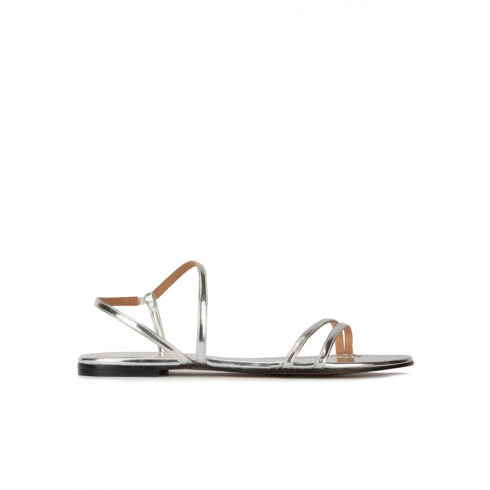 Strappy flat sandals in silver mirrored leather