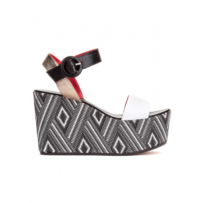 Wedge sandals in black and white leather
