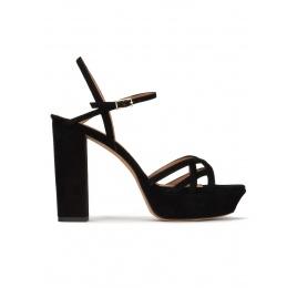 Sandales plates-formes en daim noir Pura López