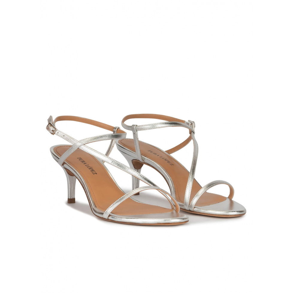 Strappy mid-heeled sandals in silver metallic leather