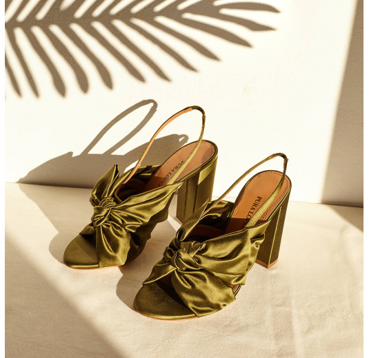 High block heel sandals in khaki green satin Pura López