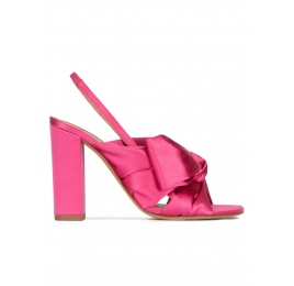 High block heel sandals in fuchsia satin Pura López