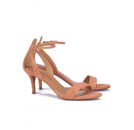 Sandalias de medio tacón en ante rosa antik con pulsera Pura L�pez