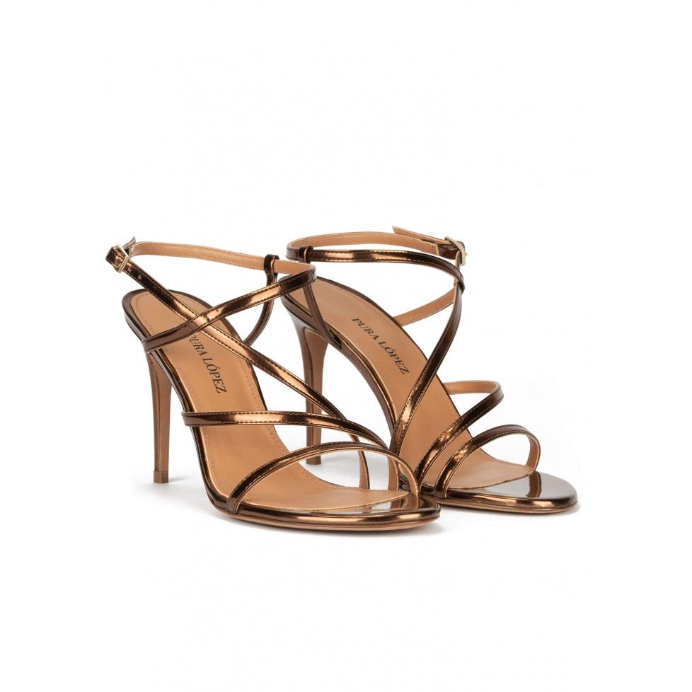 Sandalias de tacón alto en piel bronce