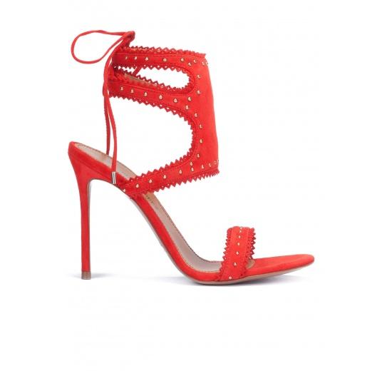 Sandalias de tacón en ante rojo con cordones Pura L�pez