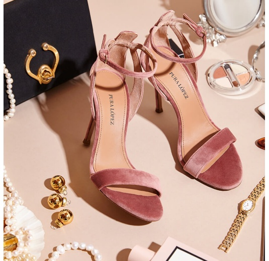 Ankle-strap high heel sandals in nude velvet Pura López