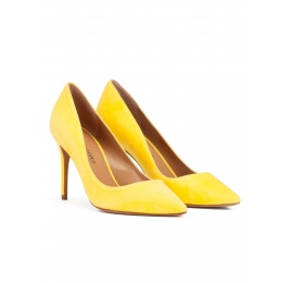 Point-toe high heel pumps in yellow suede Pura López