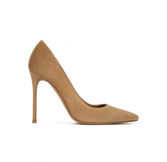 High heel point-toe pumps in camel suede Pura L�pez