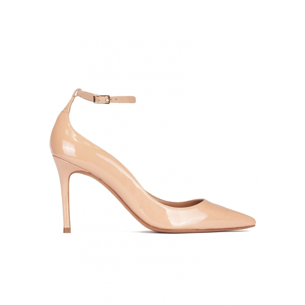 Ankle strap high heel pointy toe shoes in nude patent leather
