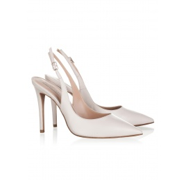 High heel pumps in oatmeal pink leather Pura López