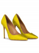 Heeled pointy toe pumps in pistachio green fabric