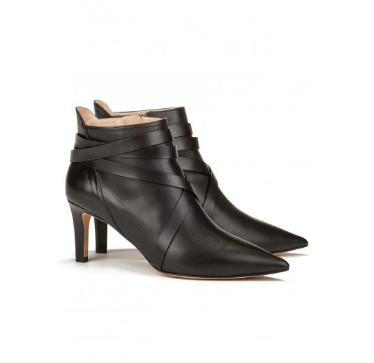 Mid heel ankle boots in black leather Pura L�pez