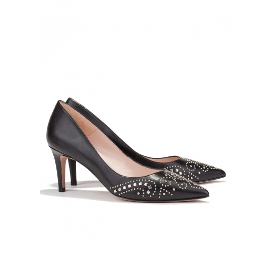 Studded mid heel pumps in black leather Pura L�pez
