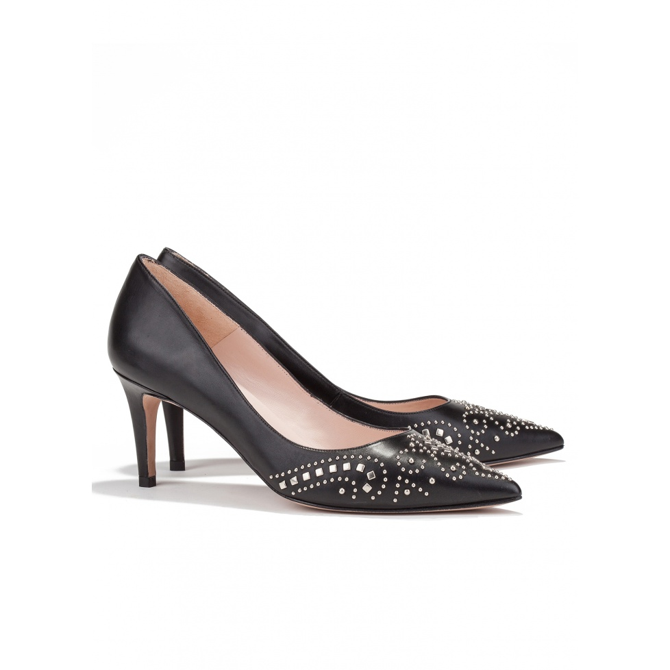 Studded mid heel pump in black leather-online shoe store Pura Lopez