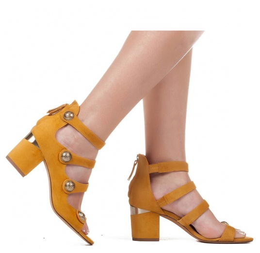 Mid block heel sandals in tobacco suede with metallic buttons Pura López