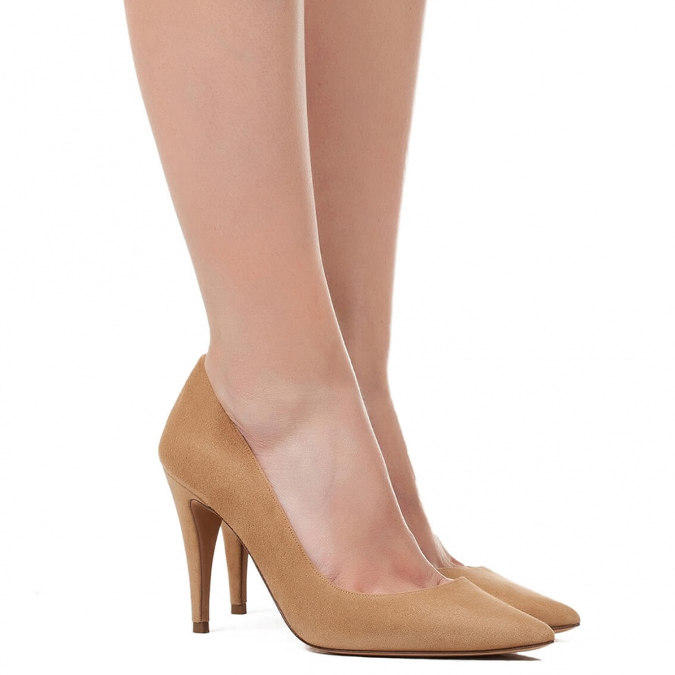 Zapatos de salón en ante avellana - tienda de zapatos Pura López