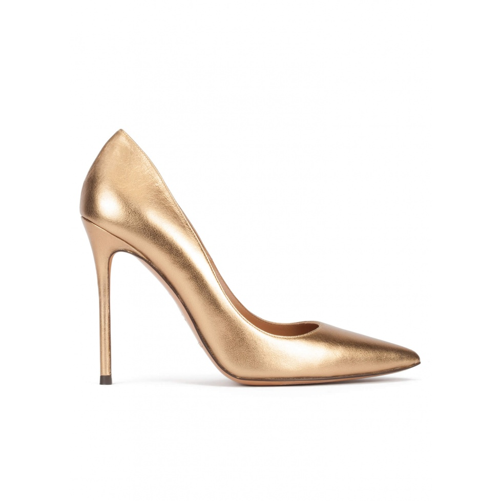 High heel pointy toe pumps in golden leather