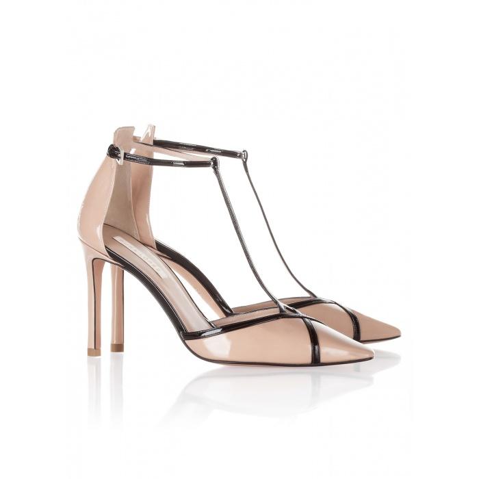 Zapatos Pura López en charol nude y negro