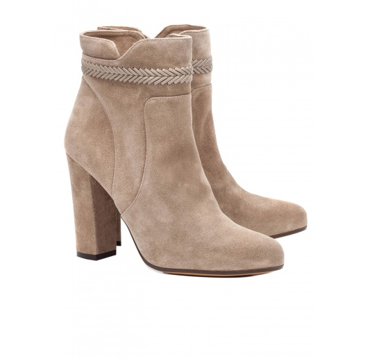 High heel ankle boots in taupe suede with leather stitching Pura L�pez