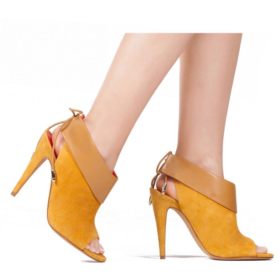 Sandalia camel de tacón alto en piel - tienda de zapatos Pura López