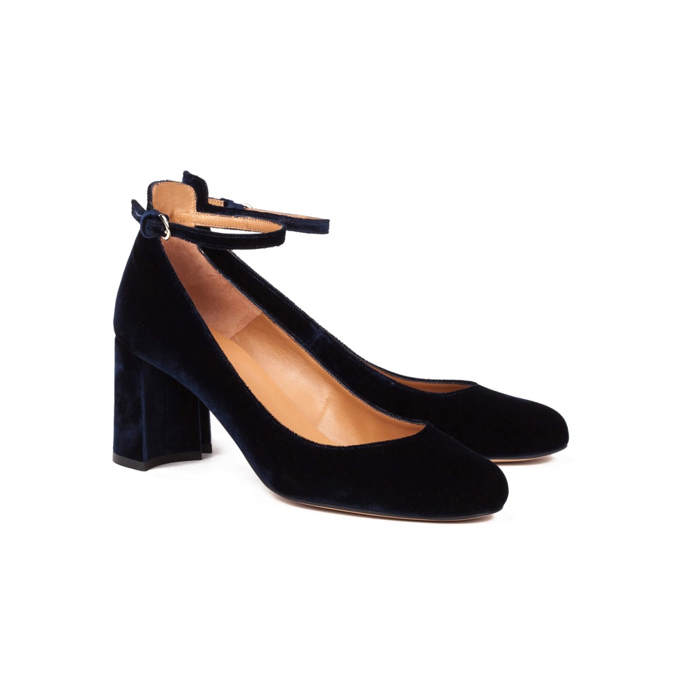 Mid heel shoes in blue velvet - online shoe store Pura Lopez