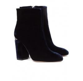 High block heel ankle boots in night blue velvet Pura López