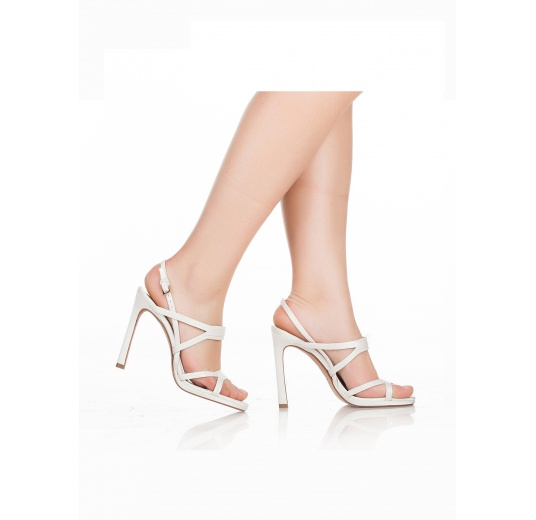 High heel bridal sandals in offwhite satin Pura L�pez