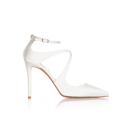 High heel bridal shoes in offwhite satin Pura L�pez