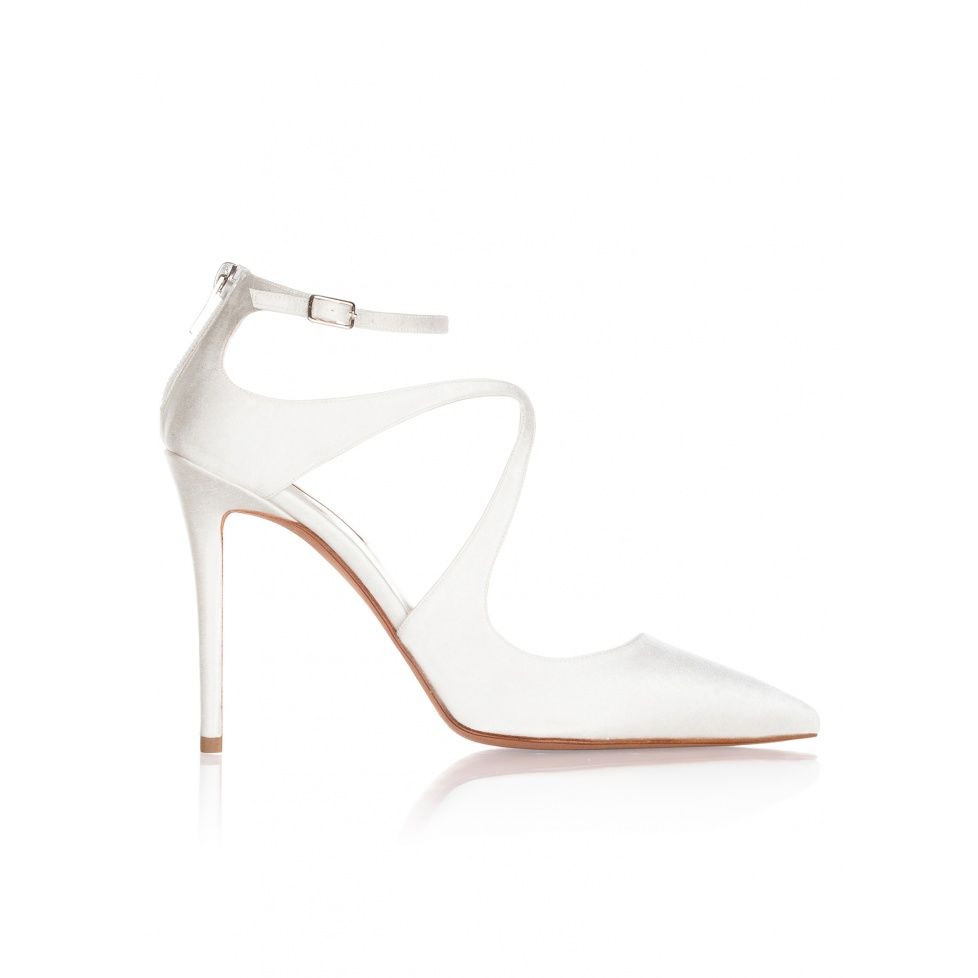 High heel bridal shoes in offwhite satin