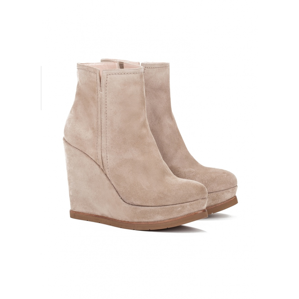Wedge ankle boots in taupe suede - online shoe store Pura Lopez