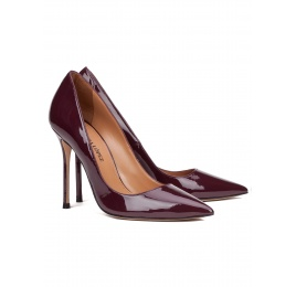 High heel pumps in aubergine patent leather Pura López