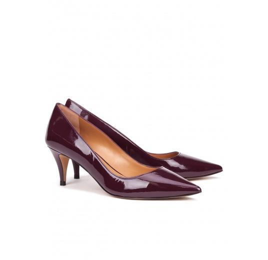 Mid heel pumps in aubergine patent leather Pura L�pez