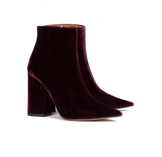 High heel ankle boots in burgundy velvet Pura L�pez
