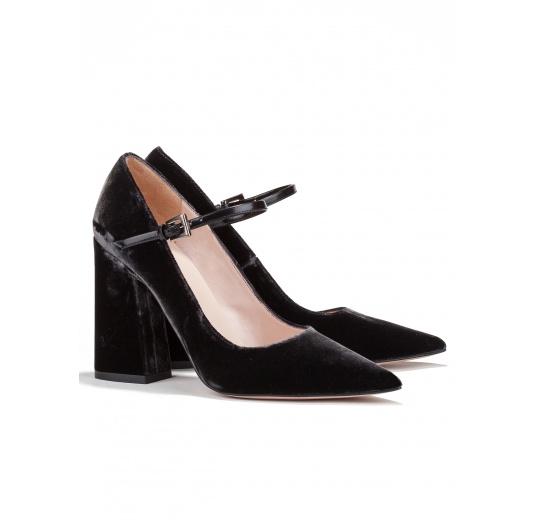 High block heel shoes in grey velvet Pura L�pez