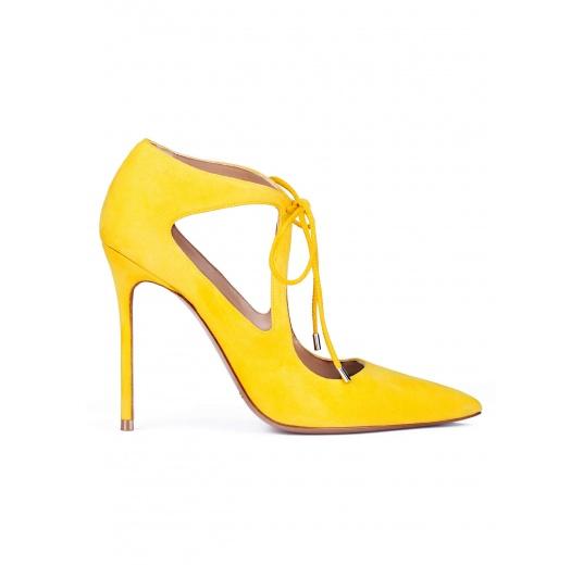 Zapatos atados de tacón en ante amarillo Pura L�pez