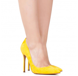 High heel pumps in yellow suede Pura López
