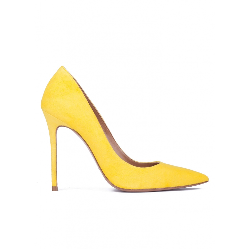 Yellow suede heeled pumps