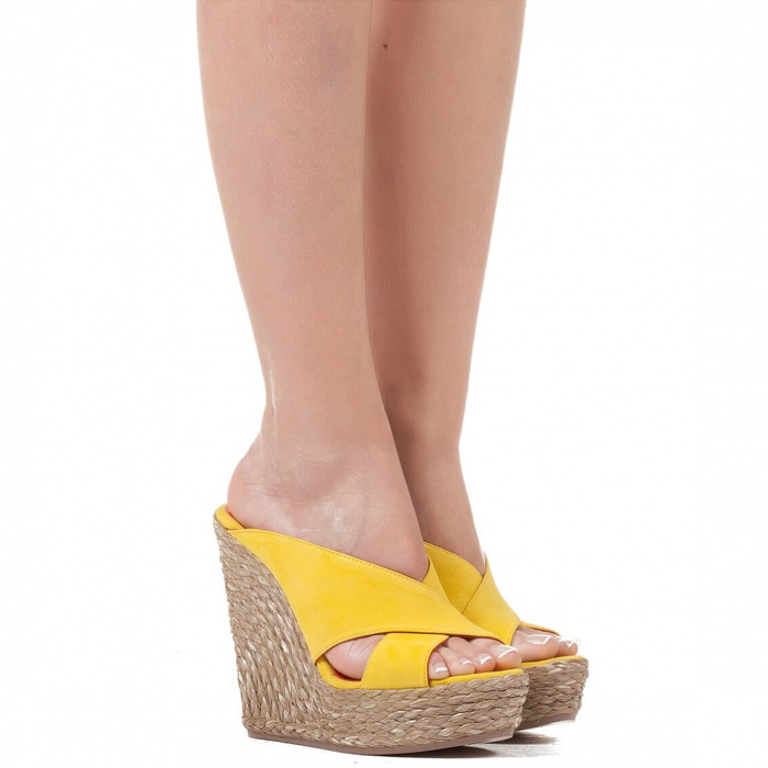 Wedge sandals in yellow suede - online shoe store Pura Lopez