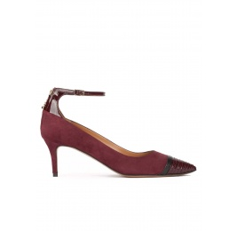 Ankle strap pointy toe mid heel shoes in burgundy suede Pura López