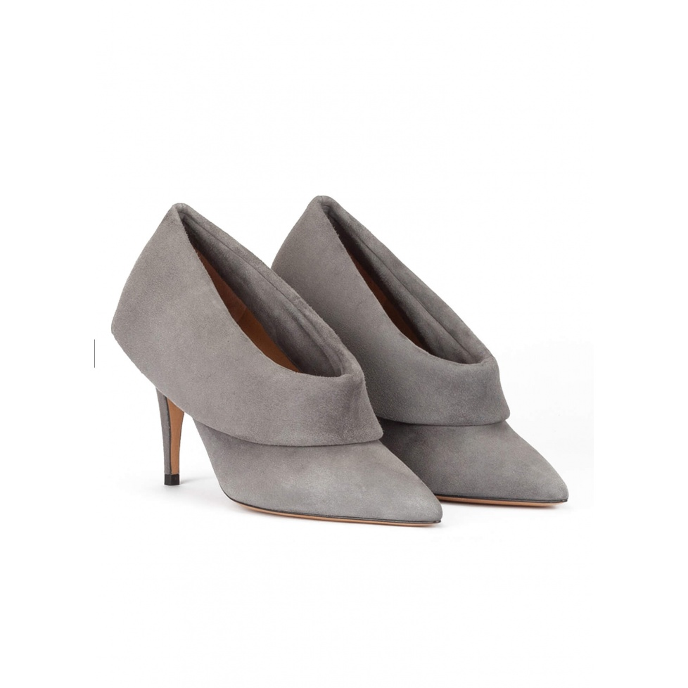 Grey suede high heel shoes with folded panels