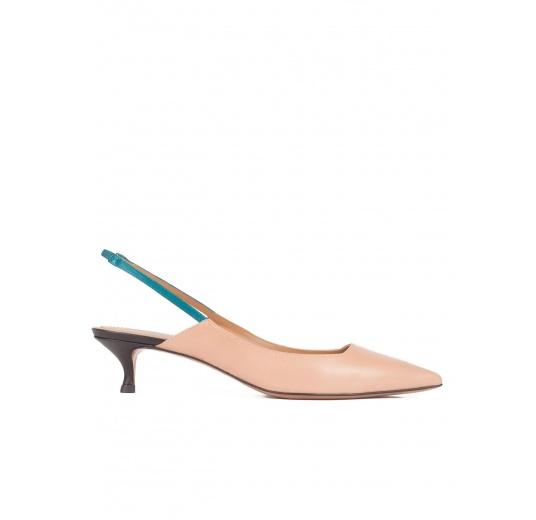 Zapatos destalonados de medio tacón en piel nude Pura L�pez