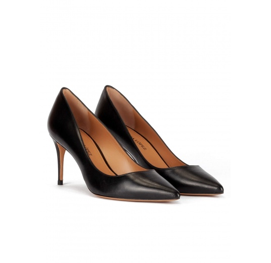 Point-toe mid heel pumps in black leather Pura López